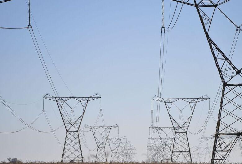 Senado aprova redução na tarifa de energia elétrica por cinco anos