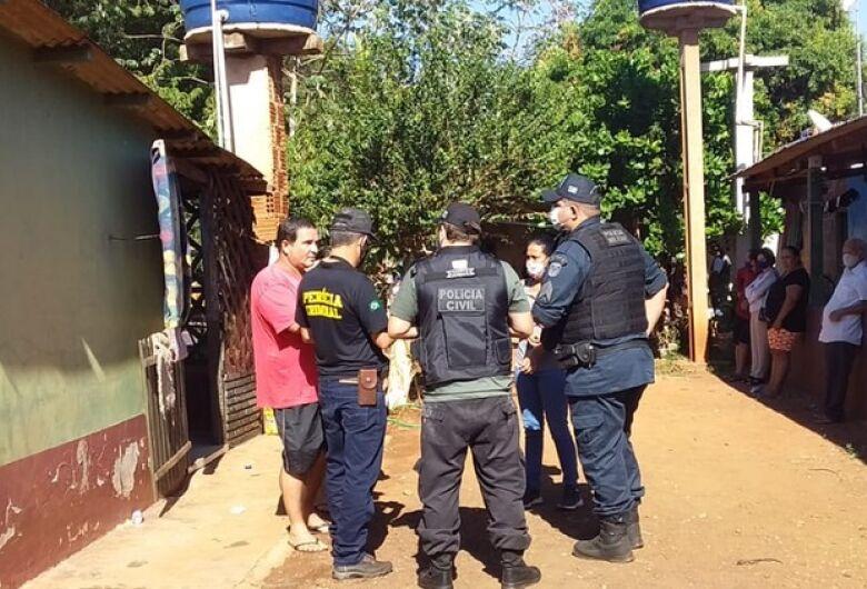 Homem é morto a golpes de facão e polícia suspeita de latrocínio