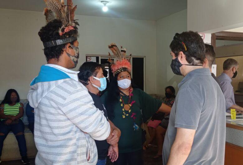 Indígenas protestam contra caos na saúde e pedem demissão de coordenadora