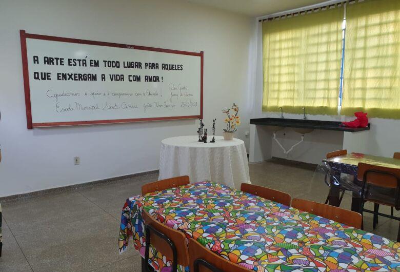 Escola Sócrates Câmara recebe primeira Sala de Arte da Rede Municipal