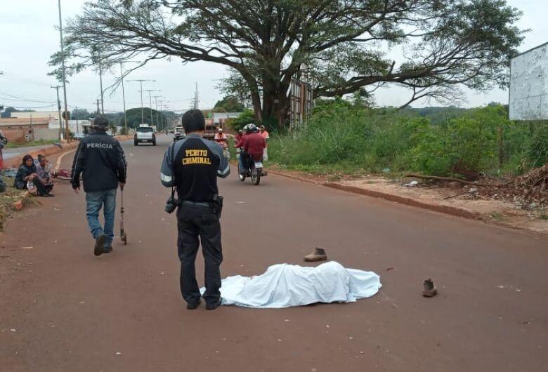 Jovem morre atropelado na Presidente Vargas; motorista foge