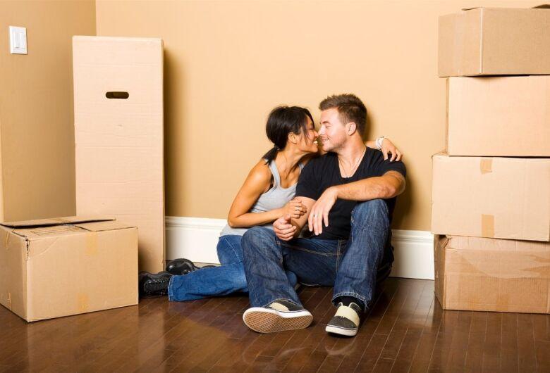 """Ao morar junto, casal precisa definir se é união estável ou """"contrato de namoro"""""""
