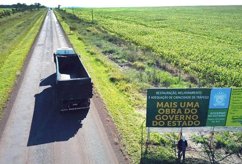 Governo do Estado assina duas ordens de serviço para restauração e implantação asfáltica de rodovias de Maracaju