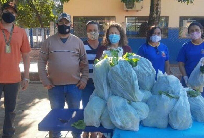 """""""Não coma menos, coma melhor"""": através da Agraer, alunos de Angélica recebem alimentos do PNAE"""