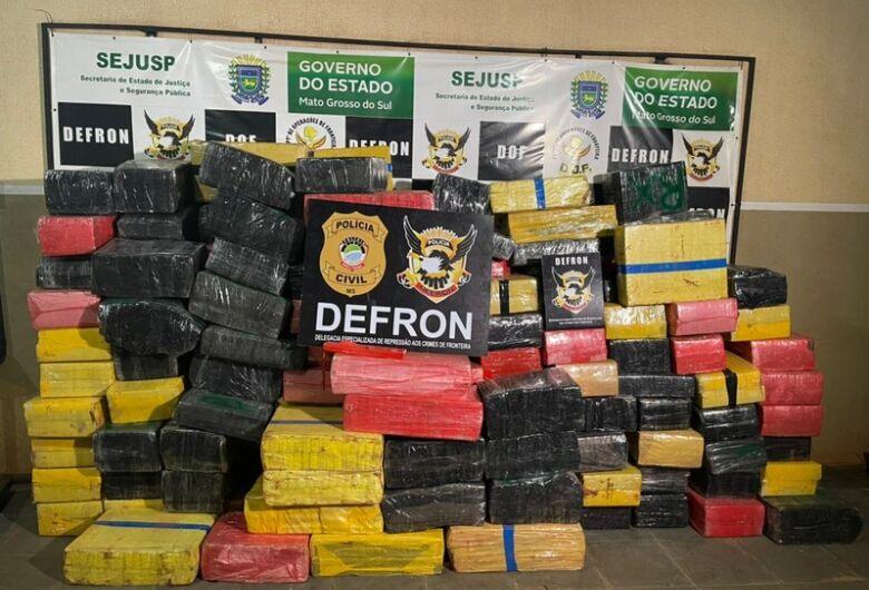 Defron fecha entreposto de drogas no Jardim Itália
