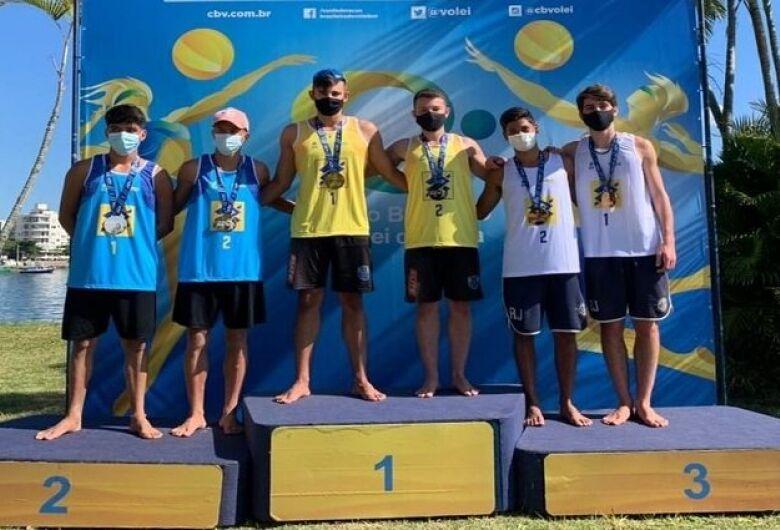 Dupla de MS é campeã invicta de etapa do Circuito Brasileiro Sub-19 de vôlei de praia