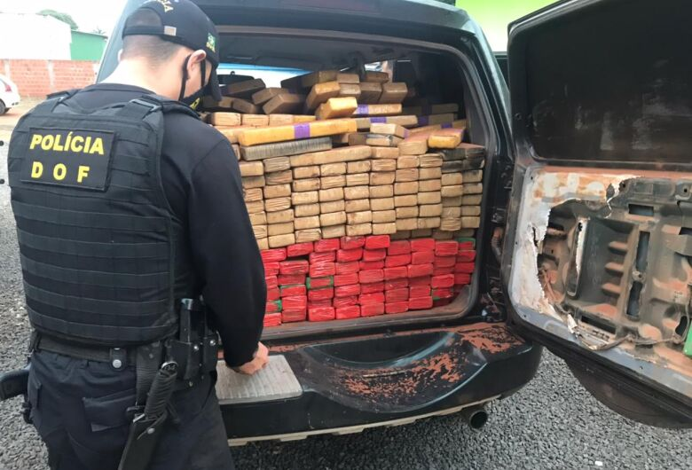 DOF apreende veículo com mais de 1 tonelada de maconha