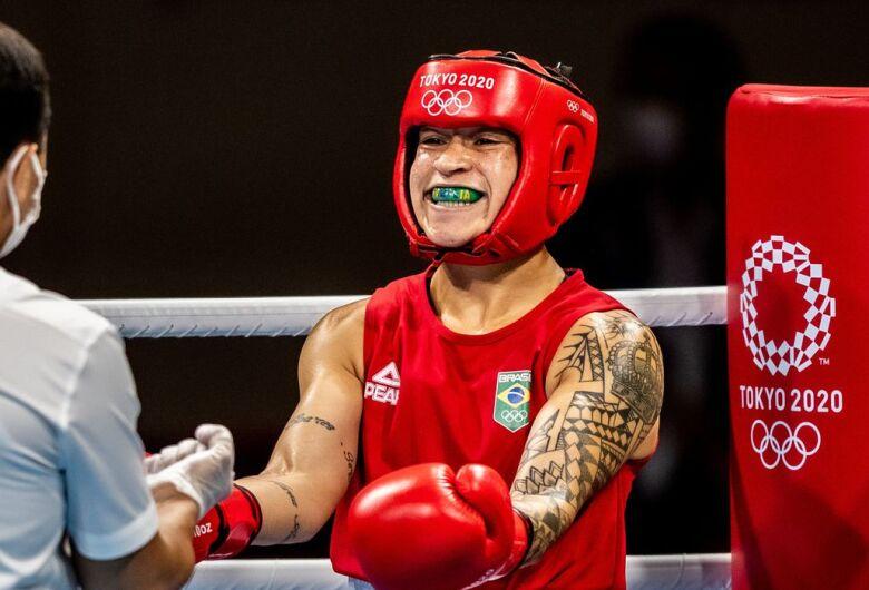 Bia Ferreira e Hebert Conceição vão lutar pelo ouro no boxe