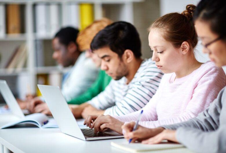 Escolas terão apoio técnico e financeiro para implantarem Novo Ensino Médio
