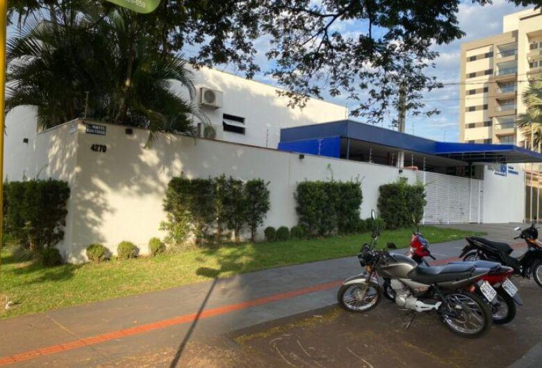 Com obras de revitalização, Escola Menodora atende em novo endereço