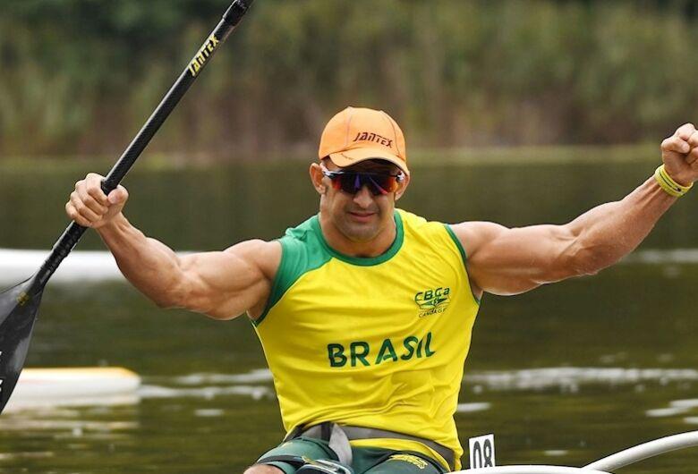 Medalhista em Tóquio, Fernando Rufino vence o Mundial de Canoagem nos 200m VL2