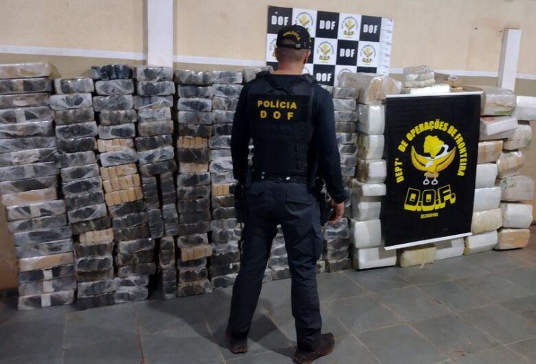 DOF apreende veículos carregados com mais de 1,6 toneladas de maconha
