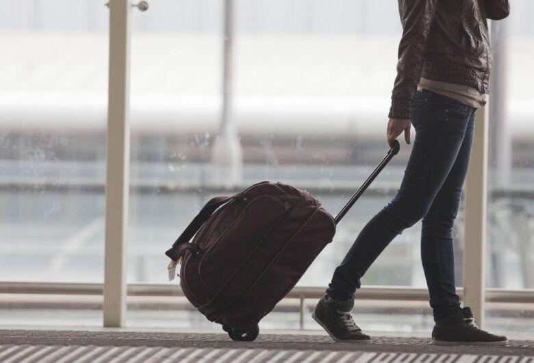 Adolescentes maiores de 12 anos precisam portar RG em viagens