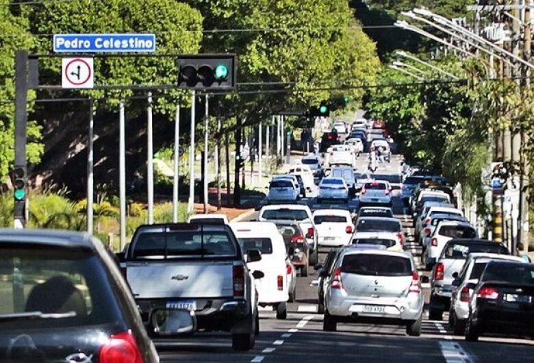 Veículos com placa final 9 devem ser licenciados até o dia 30