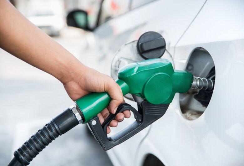 Diferença entre preço mínimo e máximo da gasolina em Dourados é de 6,72%, diz Procon