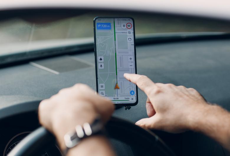 Motorista de aplicativo é rendido por bandidos na capital, consegue fugir, mas tem carro roubado
