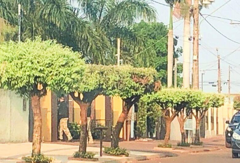Procurado por suspeita de desvio de recursos públicos, ex-prefeito de Maracaju deve se apresentar nesta quinta à polícia, diz defesa