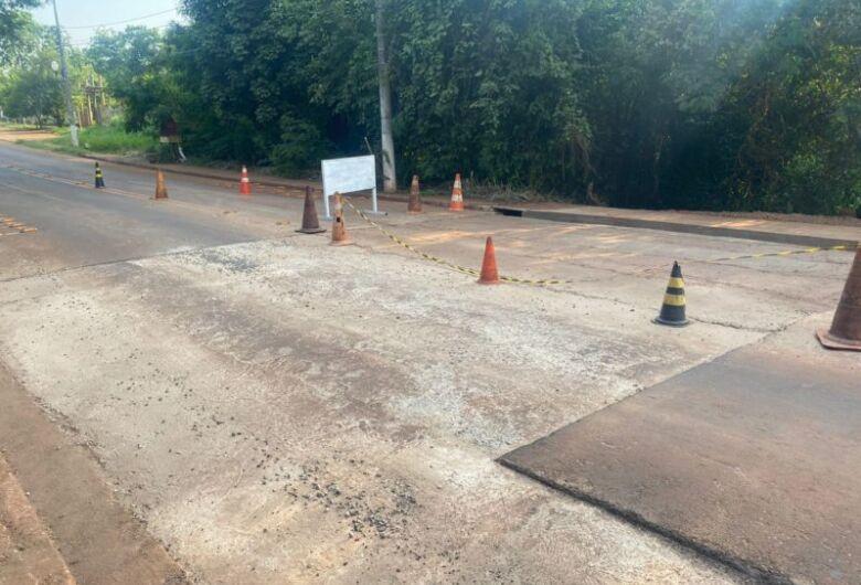 Mais uma etapa da pavimentação da Rua Hayel Bon Faker é concluída hoje