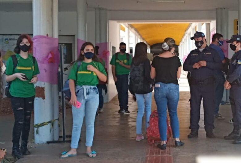 Ameaça de massacre causa pânico em alunos da Escola Presidente Vargas