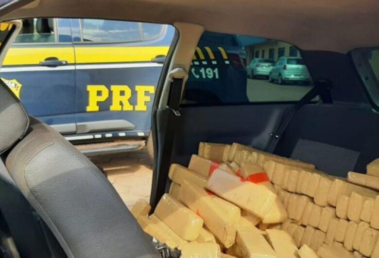 PRF apreende 400 quilos de maconha em Bataguassu
