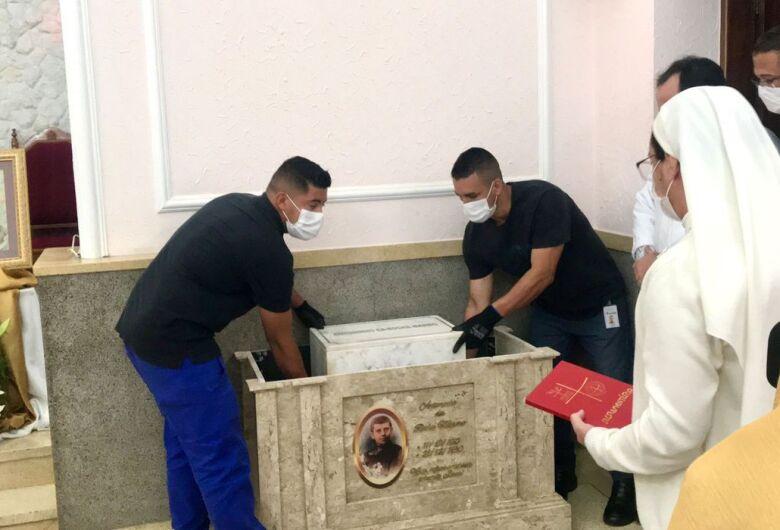 Restos mortais de Antoninho da Rocha já estão em São José dos Campos