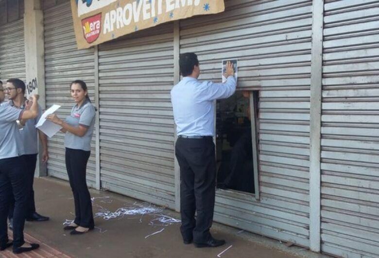 Comércio de Dourados fecha as portas em apoio a greve