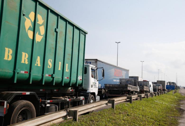 Governo identifica infiltração de intervencionistas entre caminhoneiros