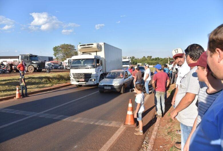 Caminhoneiros mantém 50 pontos de manifestações em MS, segundo a PRF