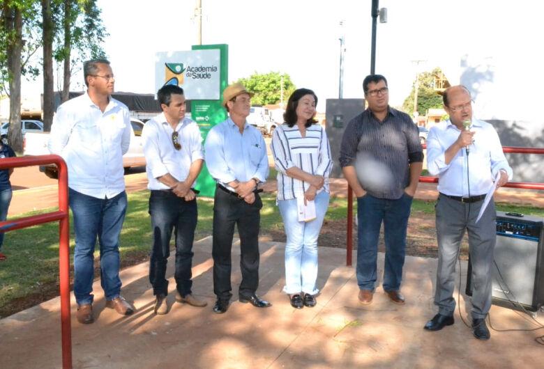 Trabalho do deputado Barbosinha leva parque infantil a Vila Vargas