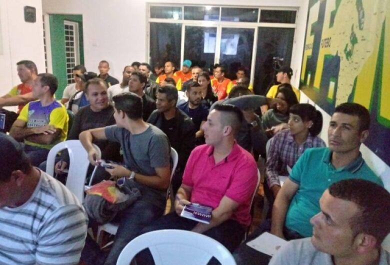 Curso de Árbitros conta com participação de 40 alunos