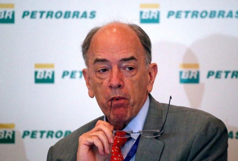 Em meio a crise do combustível, presidente da Petrobras pede demissão