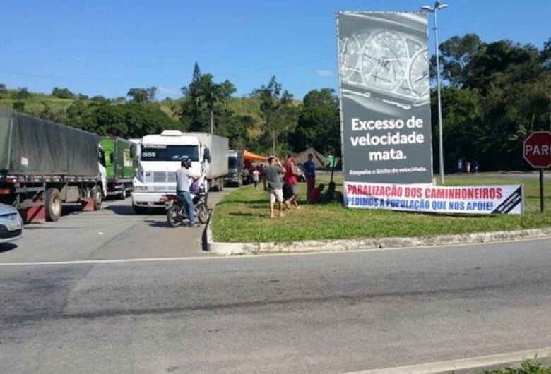 Caminhoneiros estariam sendo convocados em Brasília para começar nova greve