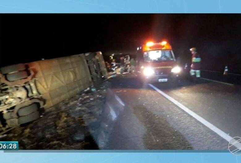 Uma pessoa morreu e 21 ficam feridas em acidente de ônibus em Nova Alvorada