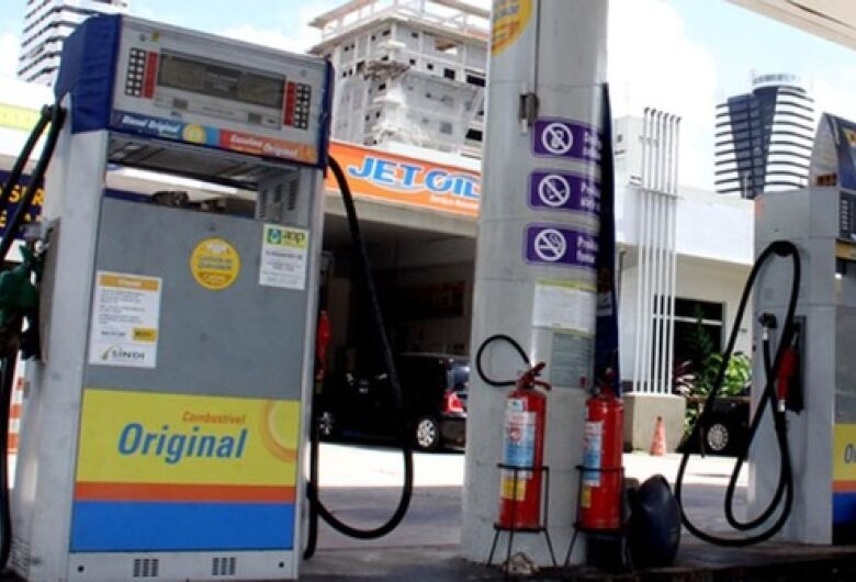 Postos podem ser multados em até R$ 50 mil caso não abaixem o preço do diesel