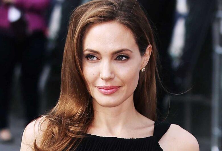 Angelina Jolie pode perder guarda dos filhos