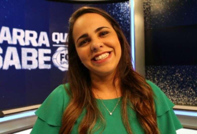 Jornalista faz história como 1ª mulher a narrar a Copa