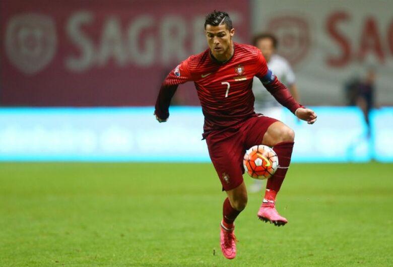 Copa do Mundo tem mais três jogos nesta sexta, um deles um clássico mundial
