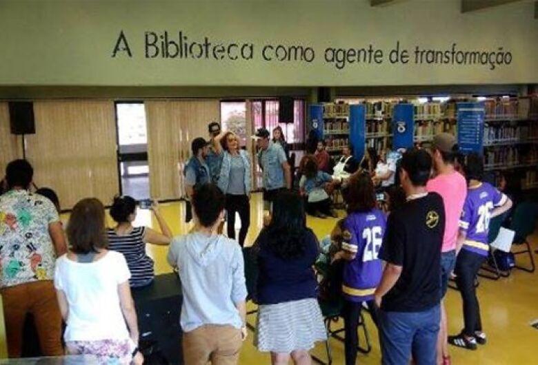 Biblioteca realiza sarau temático em homenagem aos 110 anos da imigração japonesa no Brasil