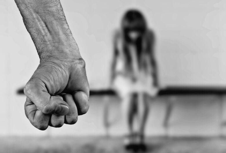 Mais de 10 mil processos de feminicídio aguardavam decisão em 2017