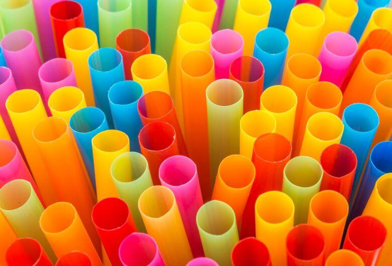 Canudos plásticos poderão ser proibidos em MS