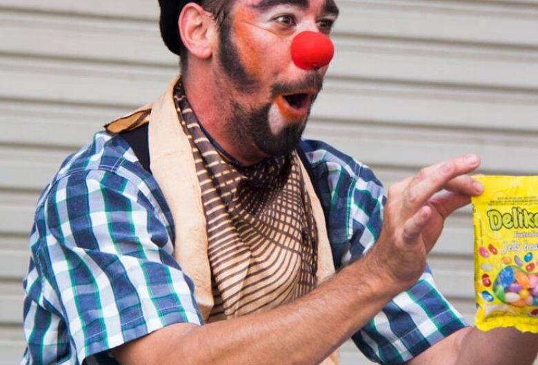 Espetáculo do palhaço Challito acontece nesse fim de semana no Sucata Cultural