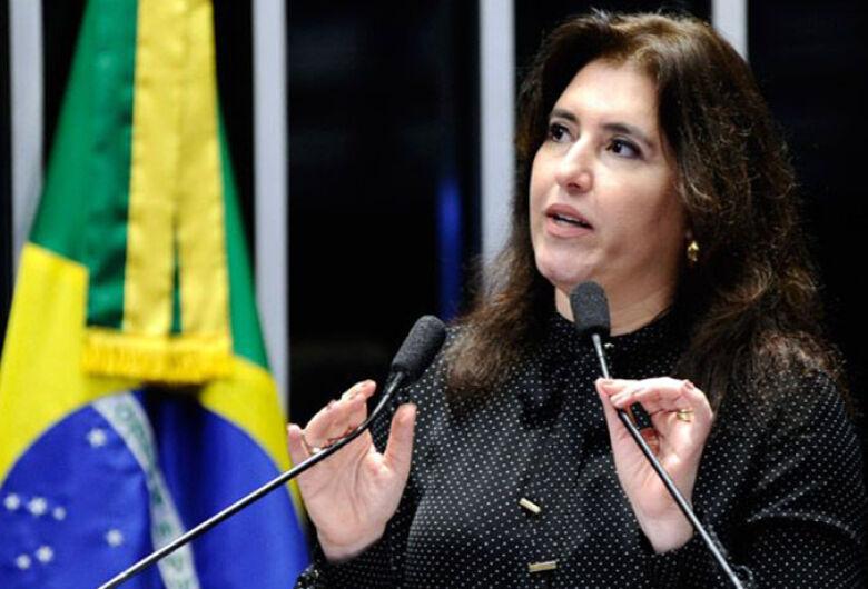 André Puccinelli desiste e lança Simone Tebet como candidata ao governo do Estado
