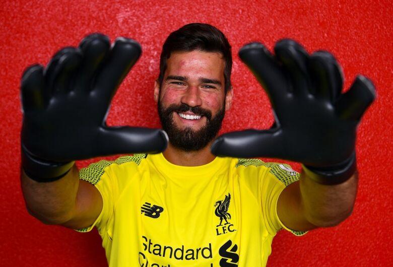 Liverpool anuncia Alisson, o goleiro mais caro da história