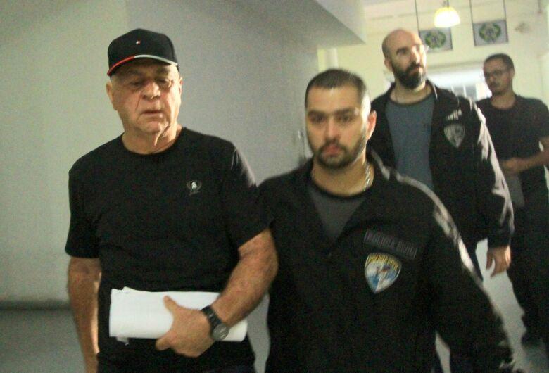 Prefeito de Japeri é preso por suspeita de envolvimento com o tráfico de drogas