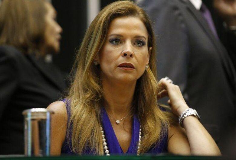 Cláudia Cruz, esposa de Eduardo Cunha é condenada por evasão de divisas