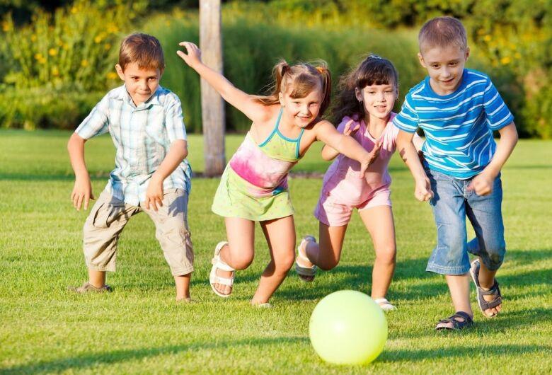 Crianças de férias, 10 dicas para diverti-las sem gastar