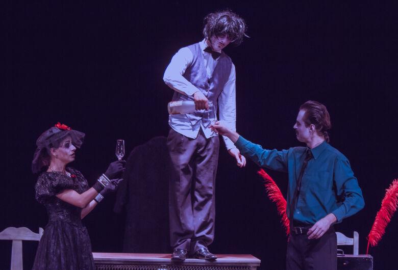 Sucata Cultural apresenta peça de teatro no sábado