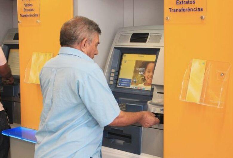 Primeira parcela do 13º de aposentados e pensionistas é antecipada para agosto