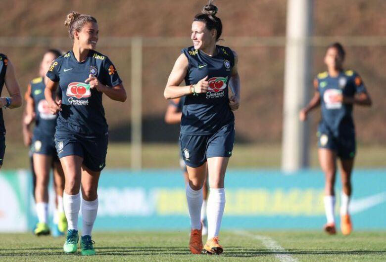 Seleção feminina de futebol já está nos EUA para o Torneio das Nações