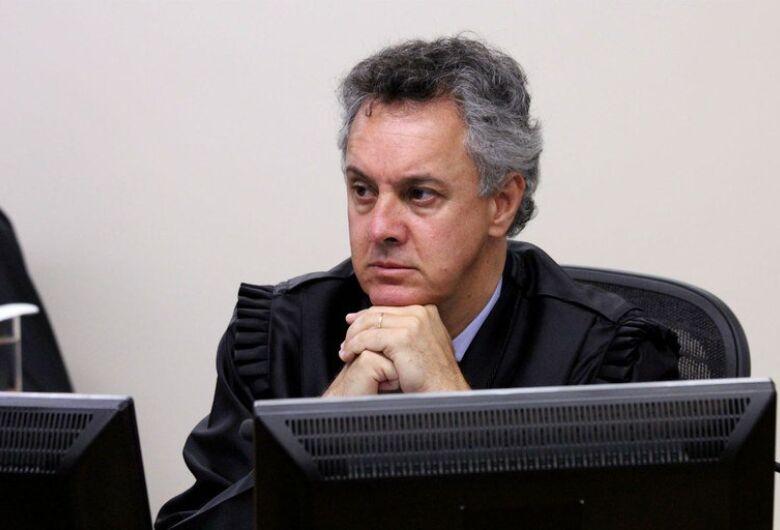 Relator da Lava Jato determina que Lula seja mantido preso